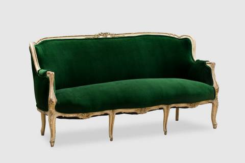 Glochester Sofa featured image