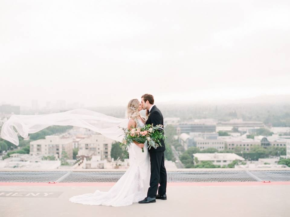style me pretty, styled shoot, four seasons beverly hills, peach wedding