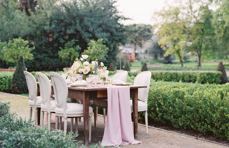 Romantic Garden Inspiration Featured on Wedding Sparrow featured image